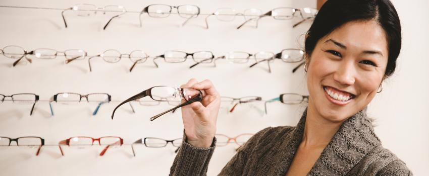 90755d70593 Optometrists ensure your glasses and contact lenses properly correct your  vision and attend to your eye health needs